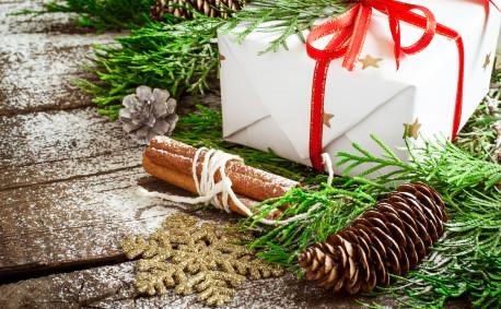 Rustic cedar Christmas decorations
